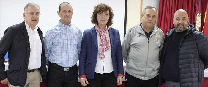 En Alcázar de San Juan el IMD ofrece unas charlas centradas en el deporte en edad escolar y la formación en valores