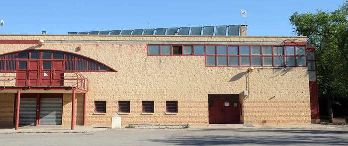 Finalizada la instalación y puesta a punto de los paneles solares en el pabellón de Argamilla de Alba