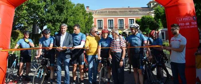 Álvaro Gutiérrez da la salida en Toledo a la carrera de los patrocinadores de la vuelta a España 2019