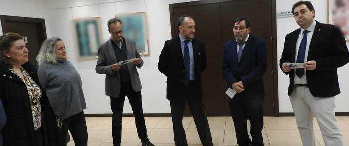 Luis Gordillo expone su obra en el Colegio Oficial de Médicos de Cuenca