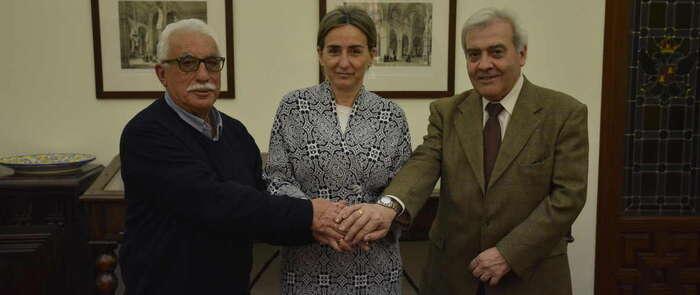 La alcaldesa de Toledo suscribe el convenio que permitirá a la Unión de Radioaficionados Españoles la instalación de un nuevo repetidor