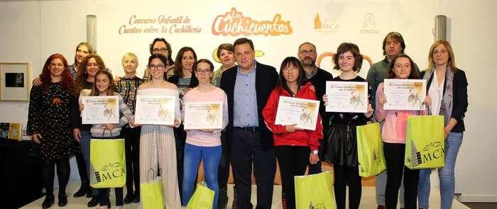 El alcalde de Albacete agradece a los 168 niños y niñas que han participado en el VI Concurso infantil de cuentos sobre la cuchillería que ensalcen el mundo cuchillero a través de sus relatos