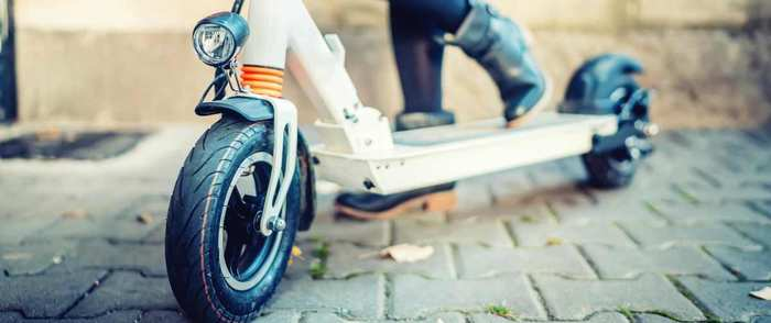 Cinco consejos para prevenir las lesiones ocasionadas por el uso de los patinetes eléctricos