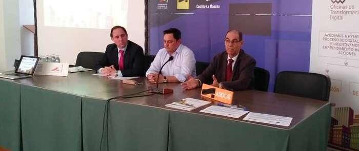 La OTD de Castilla-La Mancha aborda en Fuensalida las nuevas técnicas de marketing digital y las estrategias de comercio electrónico para el sector del calzado