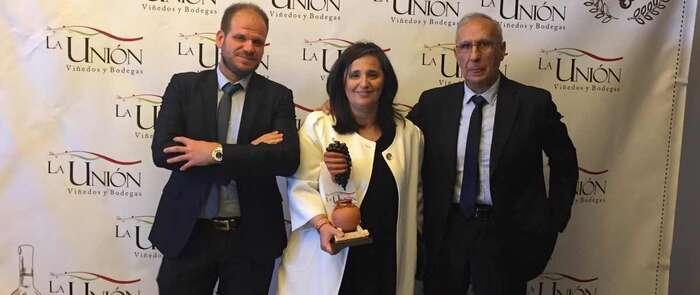 La Cooperativa La Unión otorga al ayuntamiento de Alcázar de San Juan un reconocimiento a la mejor Campaña de Promoción Turística