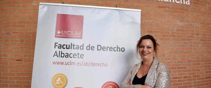 La profesora Nuria Garrido ha sido galardonada con el V Premio de Investigación Instituto García Oviedo