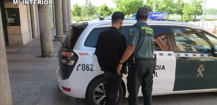 La Guardia Civil detiene a un hombre por un delito de abusos sexuales a una menor de 13 años a través de las redes sociales
