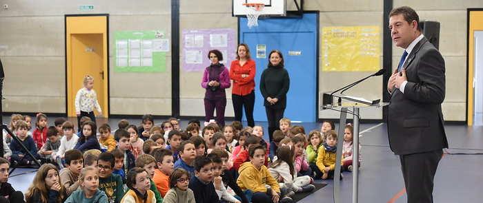 El presidente de Castilla-La Mancha ha inaugurado hoy el nuevo gimnasio del CEIP 'Parque de la Muñeca'