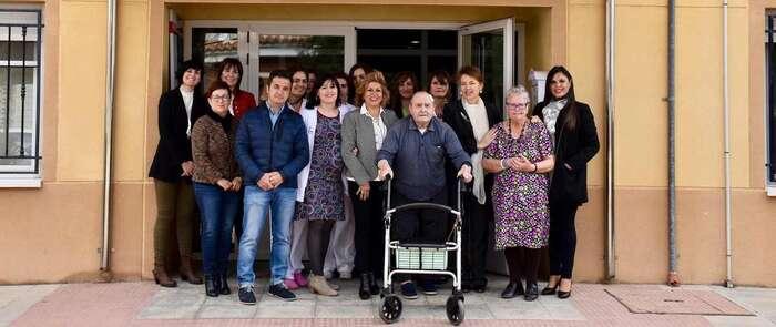 El Gobierno de Castilla-La Mancha destaca el modelo de gestión integral y centrado en la persona de la Residencia 'Las Viñas' de Madrigueras