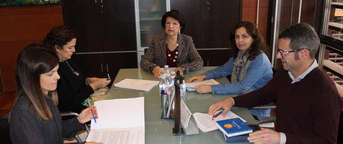 El Gobierno regional se reúne con entidades para darles a conocer el borrador del anteproyecto de Ley de Infancia y Familias de Castilla-La Mancha