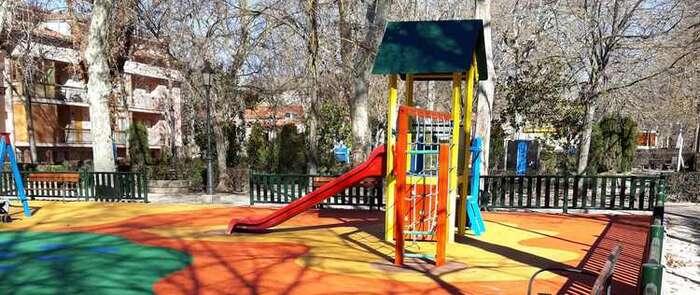 El parque de La Alameda estrena mejoras en una de áreas de juegos infantiles