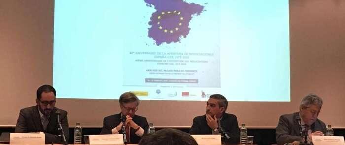 El seminario sobre el Franquismo y la Transición celebra en París un coloquio internacional