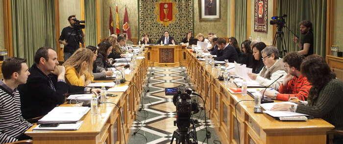 El Pleno aprueba la moción del PP para la reducir las tarifas y mejorar los horarios de los trenes de alta velocidad en Cuenca