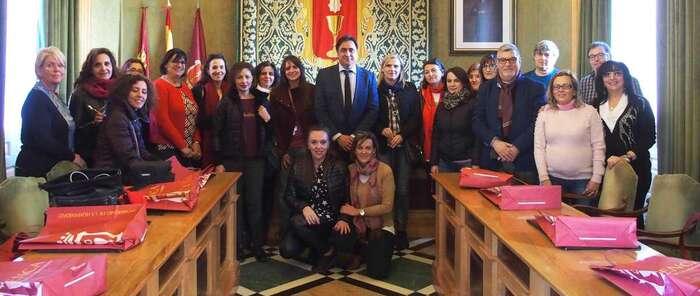Visita a Cuenca de 17 profesores de cinco países que participan en el proyecto Erasmus + 'Building Bridges with Music'