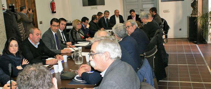 El presidente de la Diputación de Albacete participa en la sesión de trabajo prevista por la Comisión de Diputaciones Provinciales, Cabildos y Consejos Insulares de la FEMP