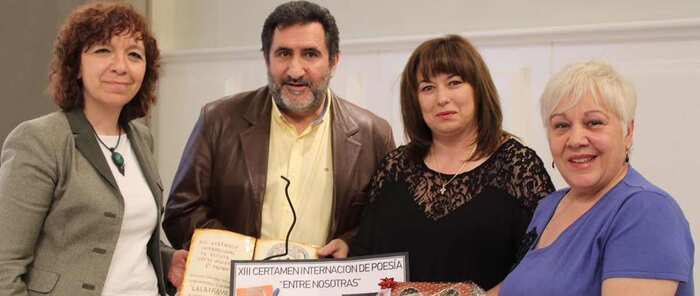 """Las amas de casa de Alcázar de San Juan organizaron la entrega de premios del XIII Certamen Internacional de Poesía """"Entre Nosotr@s"""""""