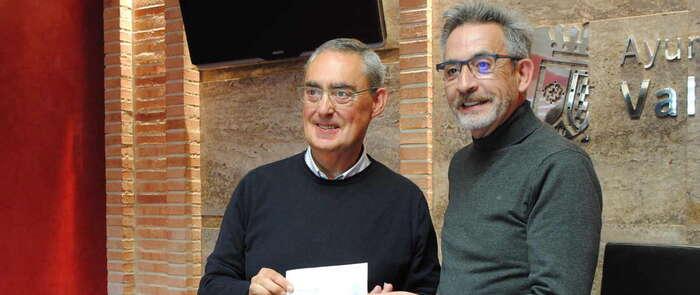 El Ayuntamiento de Valdepeñas salda 118 años después su deuda con la patrona