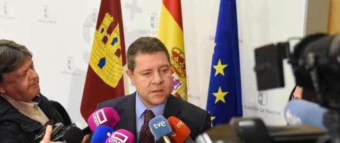 """El presidente de Castilla-La Mancha: """"Lo que ha puesto fin a esta legislatura ha sido el intento de autodeterminación de los independistas en Cataluña"""""""