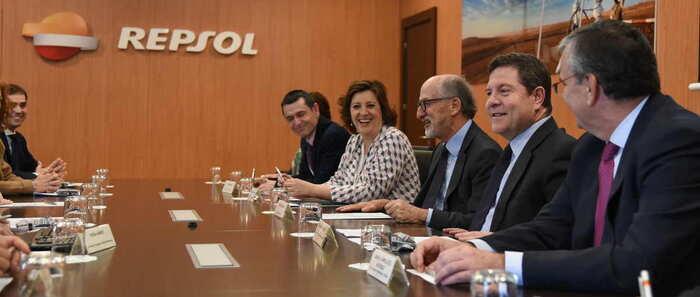 El presidente de Castilla-La Mancha visita hoy lunes el complejo industrial de Repsol en Puertollano