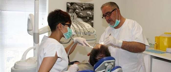 La Unidad de Salud Bucodental para pacientes con necesidades especiales de Alcázar ha realizado cerca de un millar detratamientos en tres años