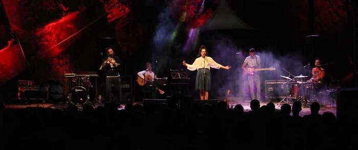 """Alcázar acoge un año más el Festival """"7 Soles, 7 Lunas"""" en el auditorio natural de la cantera de los molinos"""