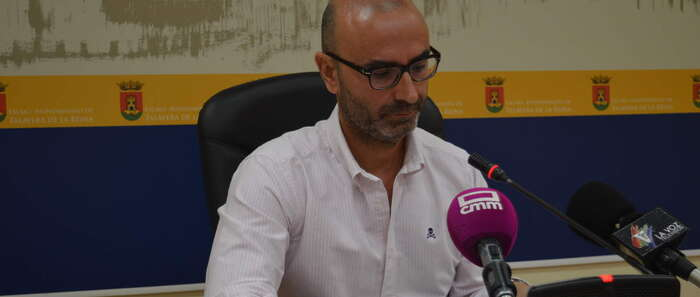 Álvarez señala que el Ayuntamiento de Talavera de la Reina comenzó la campaña de prevención contra los mosquitos quironómidos en el mes de marzo