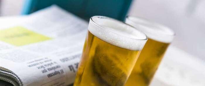 Los castellano-manchegos identifican su verano ideal con cerveza, playa y tapas, según Cerveceros de España