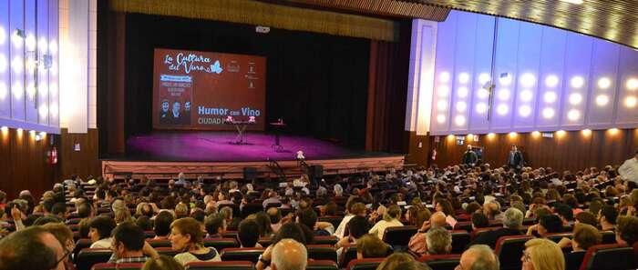 """Las risas tomaron el teatro Quijano de Ciudad Real gracias a """"Humor con vino"""""""