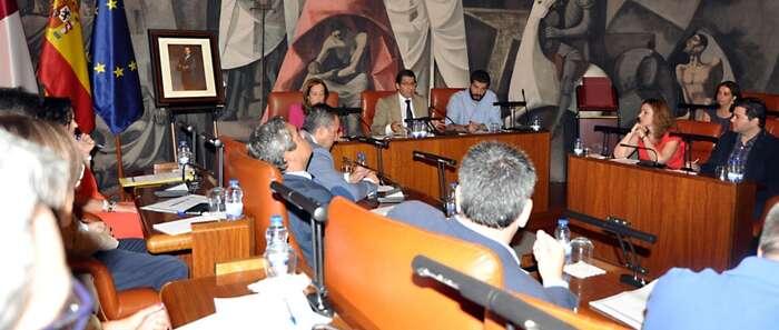 El Pleno aprueba inversiones por 9'8 millones que contemplan más obras en pueblos y una gran reforma en el pabellón ferial de Ciudad Real