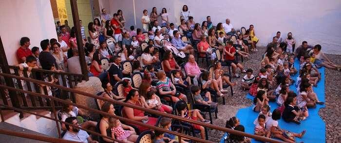 Exitoso estreno de ´Verano en Familia´en la Casa de la Encomienda en La Solana
