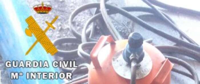 La Guardia Civil detiene a tres personas cuando estaban robando en una explotación ganadera