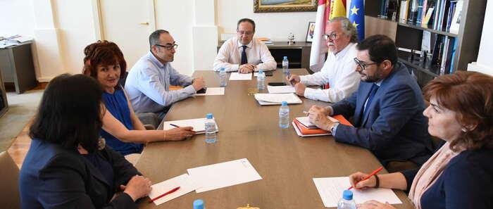 El Gobierno regional se emplaza a consensuar con los sindicatos la conveniencia de aprobar ya el Acuerdo por la Estabilidad en el Empleo