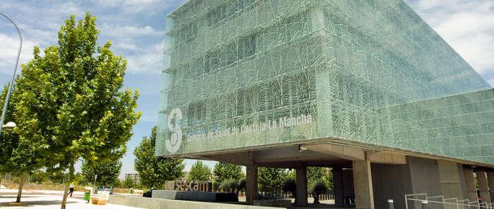 El Gobierno de Castilla-La Mancha presenta los mejores datos de listas de espera de un mes de abril de los últimos siete años