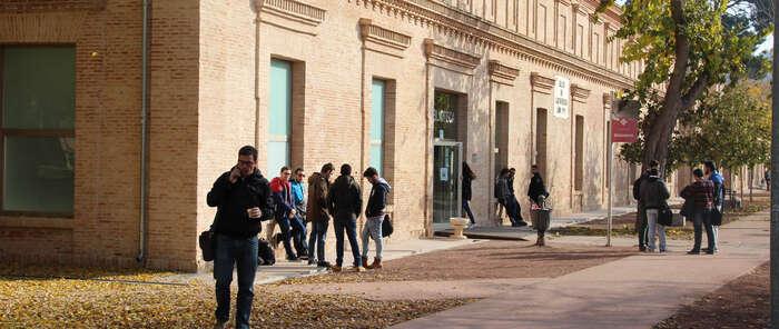 El Gobierno regional reconoce el mérito y la excelencia académica de estudiantes de Grado con la concesión de 40 becas