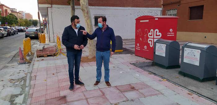 El plan del Ayuntamiento de Azuqueca para eliminar barreras arquitectónicas en pasos de peatones llega al barrio de la Estación