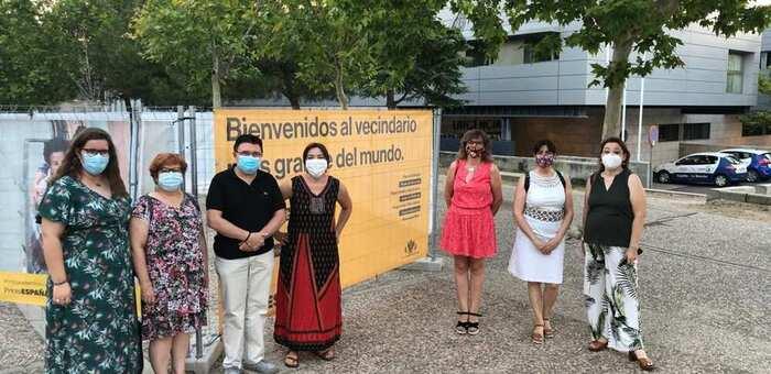 La exposición de PhotoEspaña llega al Paseo Juan Pablo II del Polígono de Toledo hasta el 16 de agosto, después recalará en Valparaíso