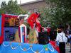 imagen de La carroza de la peña Ausentes ganó el Desfile-Concurso de Carrozas de Villacañas
