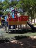 imagen de El Ayuntamiento instala nuevos juegos infantiles en Valdenoches y limpia su arroyo