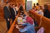 imagen de Álvaro Gutiérrez anima a escuchar a los niños en el pleno infantil celebrado en la Diputación
