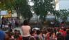 imagen de Los niños del colegio 'La Alameda', de Poblete, comienzan el 'cole' acompañados por violines que han mostrado cuánto tienen en común Vivaldi y Guns N' Roses