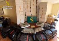 La Guardia Civil interviene en Novés 230 kilos de cogollos de marihuana ocultos en cartones