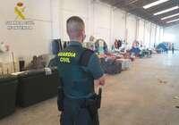 La Guardia Civil realiza una inspección en una nave de Santa Cruz de la Zarza donde vivían 25 personas en pésimas condiciones higiénico-sanitarias