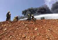 Controlado el incendio iniciado esta mañana en un dos tanques de combustible en Repsol Puertollano