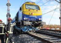 Mueren dos personas tras ser arrolla la furgoneta en la que viajaban por un tren en Manzanares